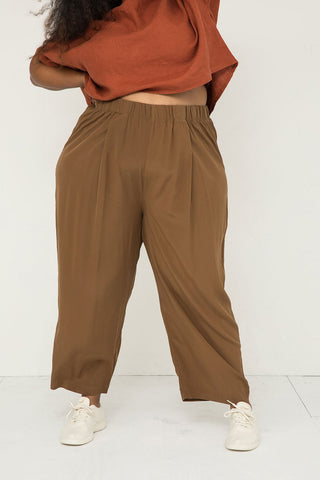 Andy Trouser in Silk Crepe Moss - Alex-3XL Regular