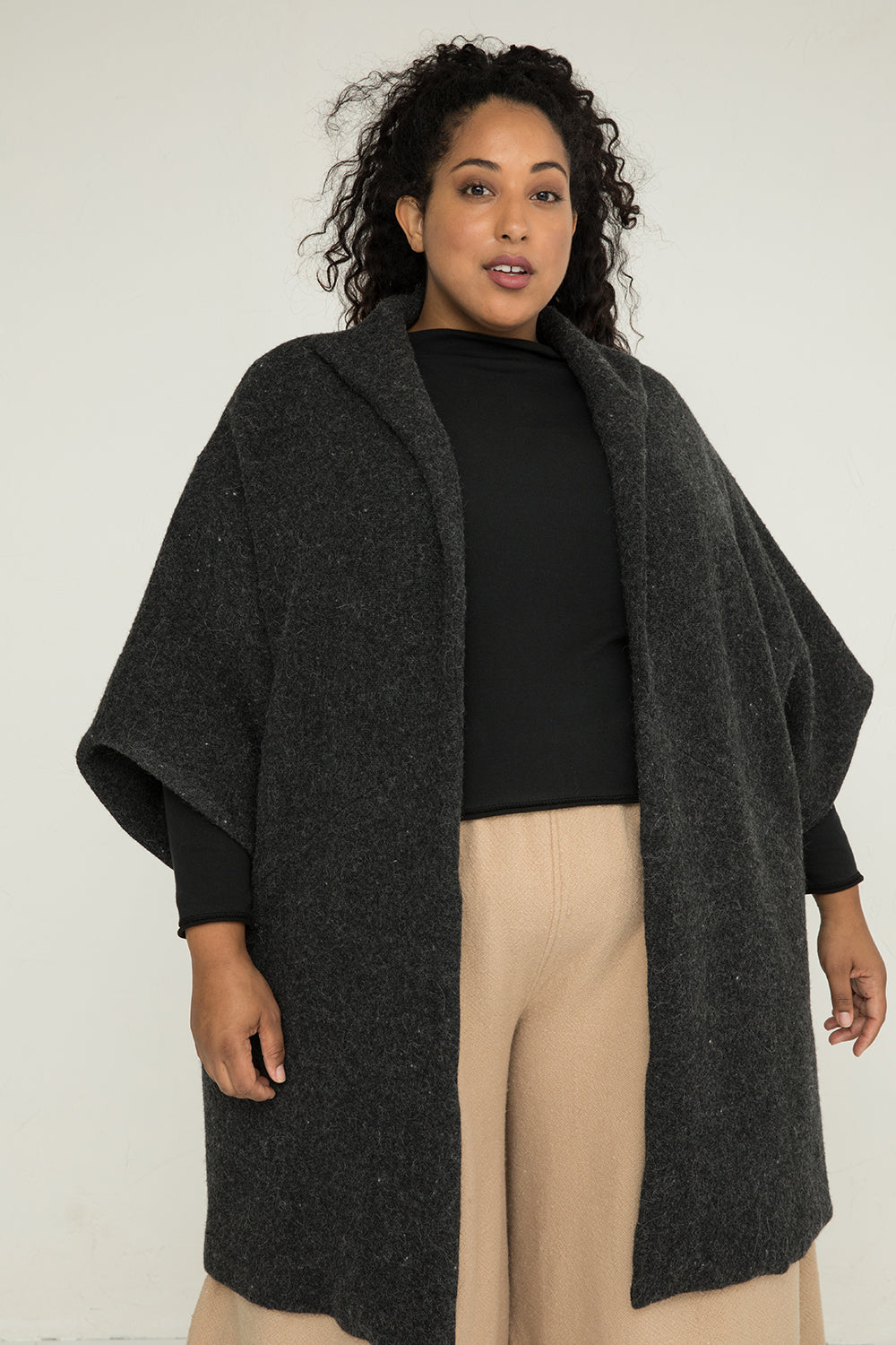 Cocoon Coat in Heavyweight Wool Charcoal - Alex-OS Plus 2