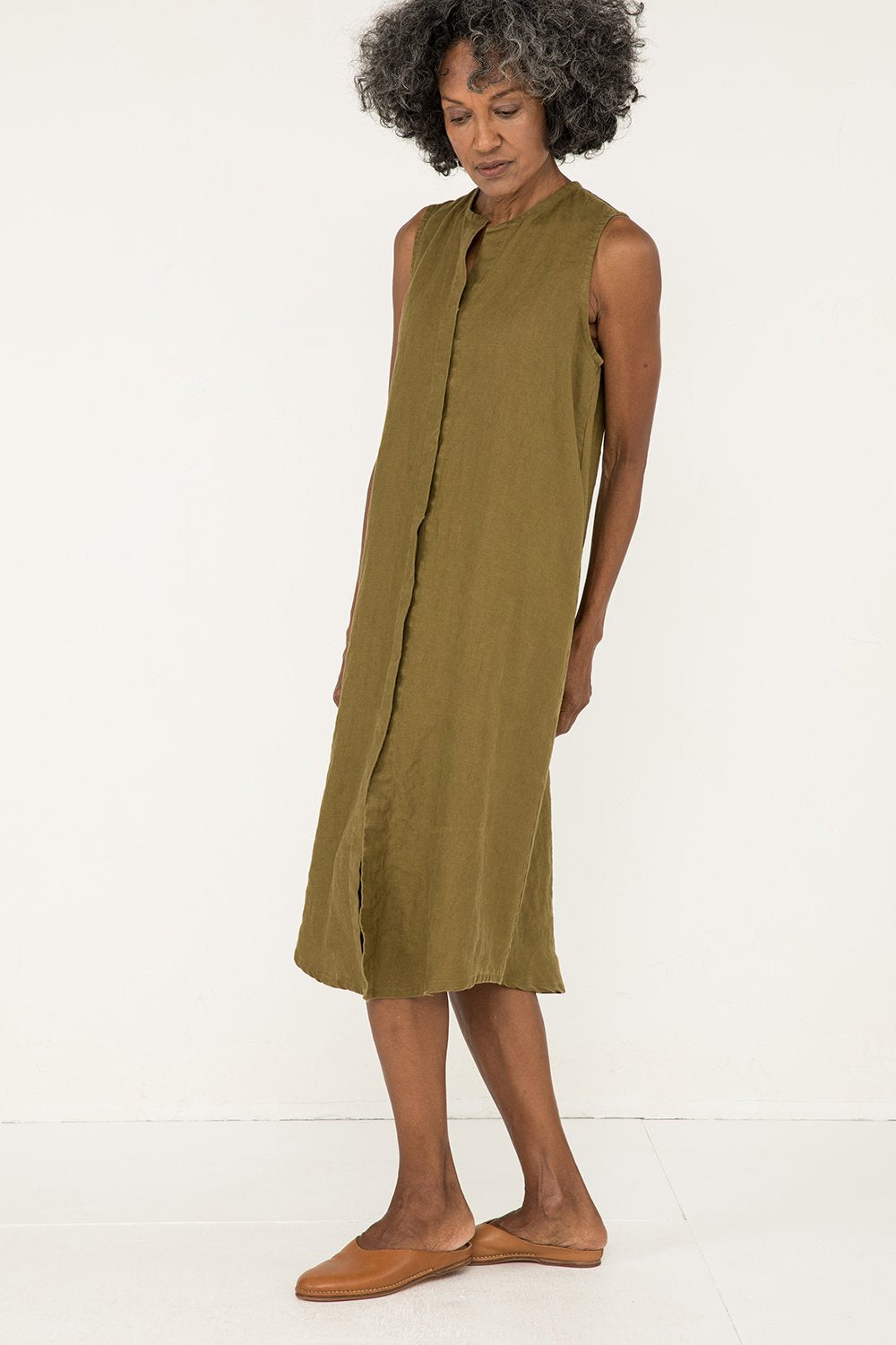 Sleeveless Kara Snap Dress in Midweight Linen Olive - Pat-S