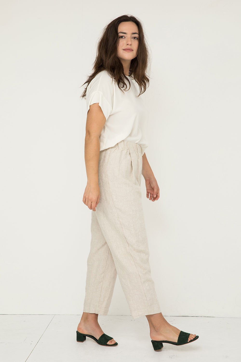 Andy Trouser in Midweight Linen Flax - Natalie-Medium Regular