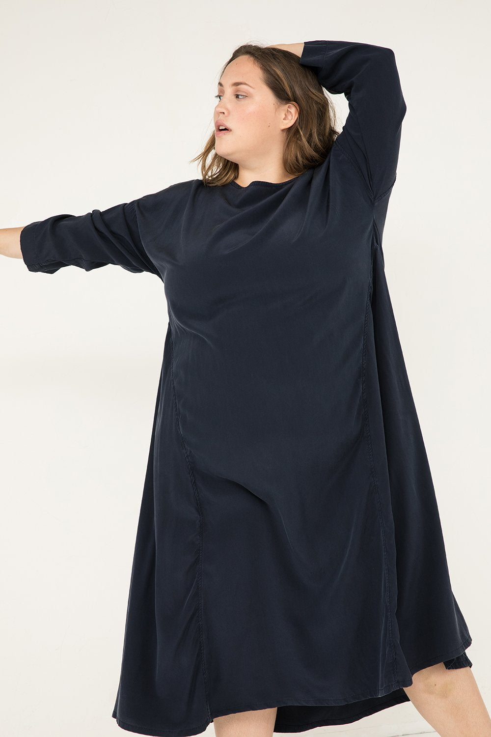 Parabola Dress in Silk Crepe Navy - Sam-2XL