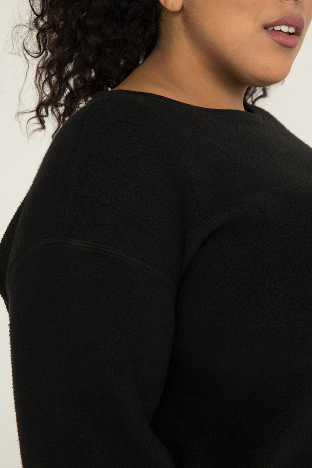 Billie Sweater in Textured Cotton Knit Black - Alex-2XL