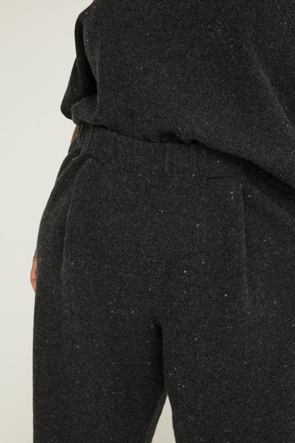 Andy Trouser in Lightweight Wool Charcoal - Alex-3XL Regular