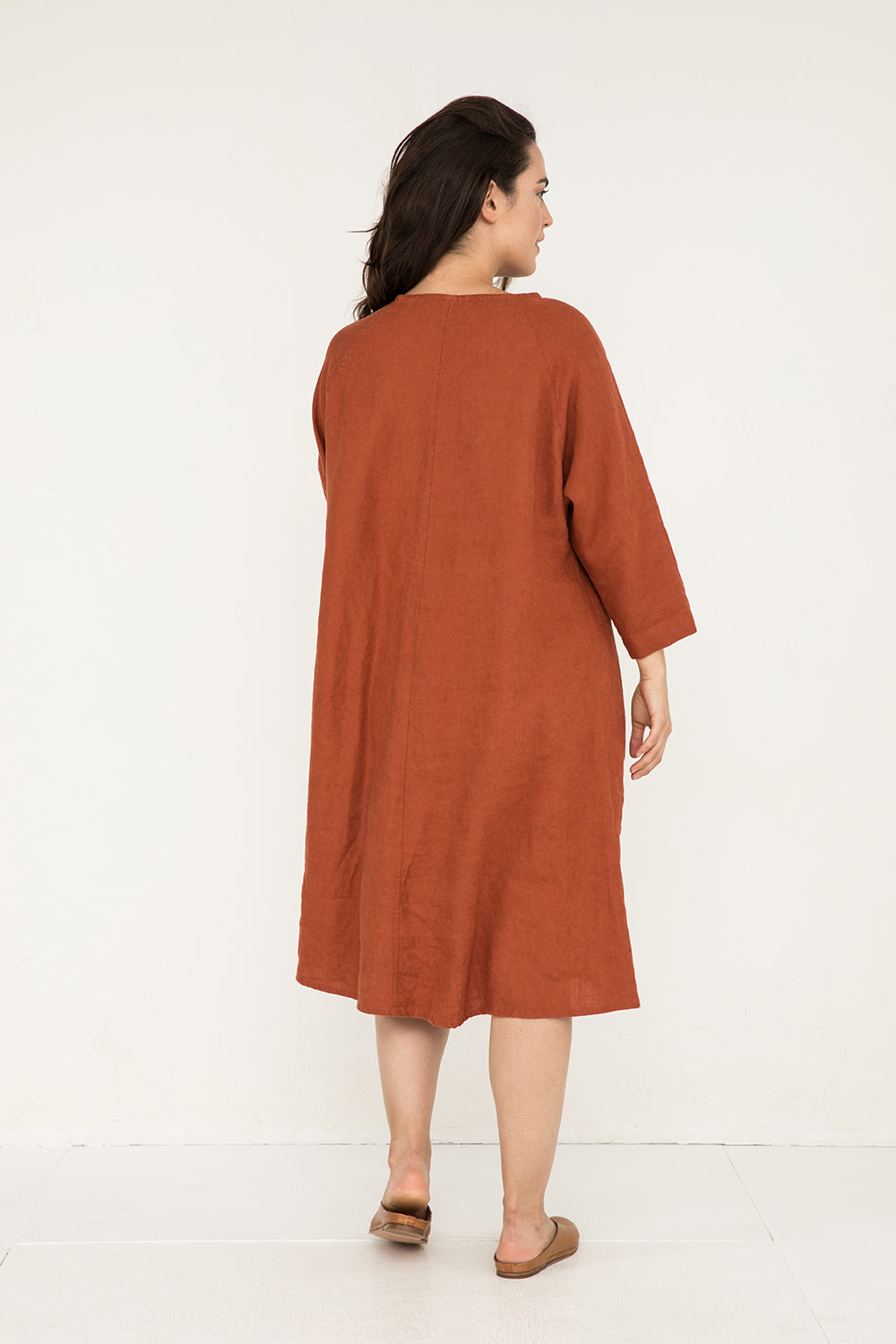 Artist Dress in Midweight Linen Terra - Natalie-OS