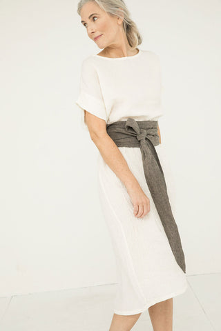 Asawa Tie Belt in Linen Gauze Pepper - Kendall-OSM