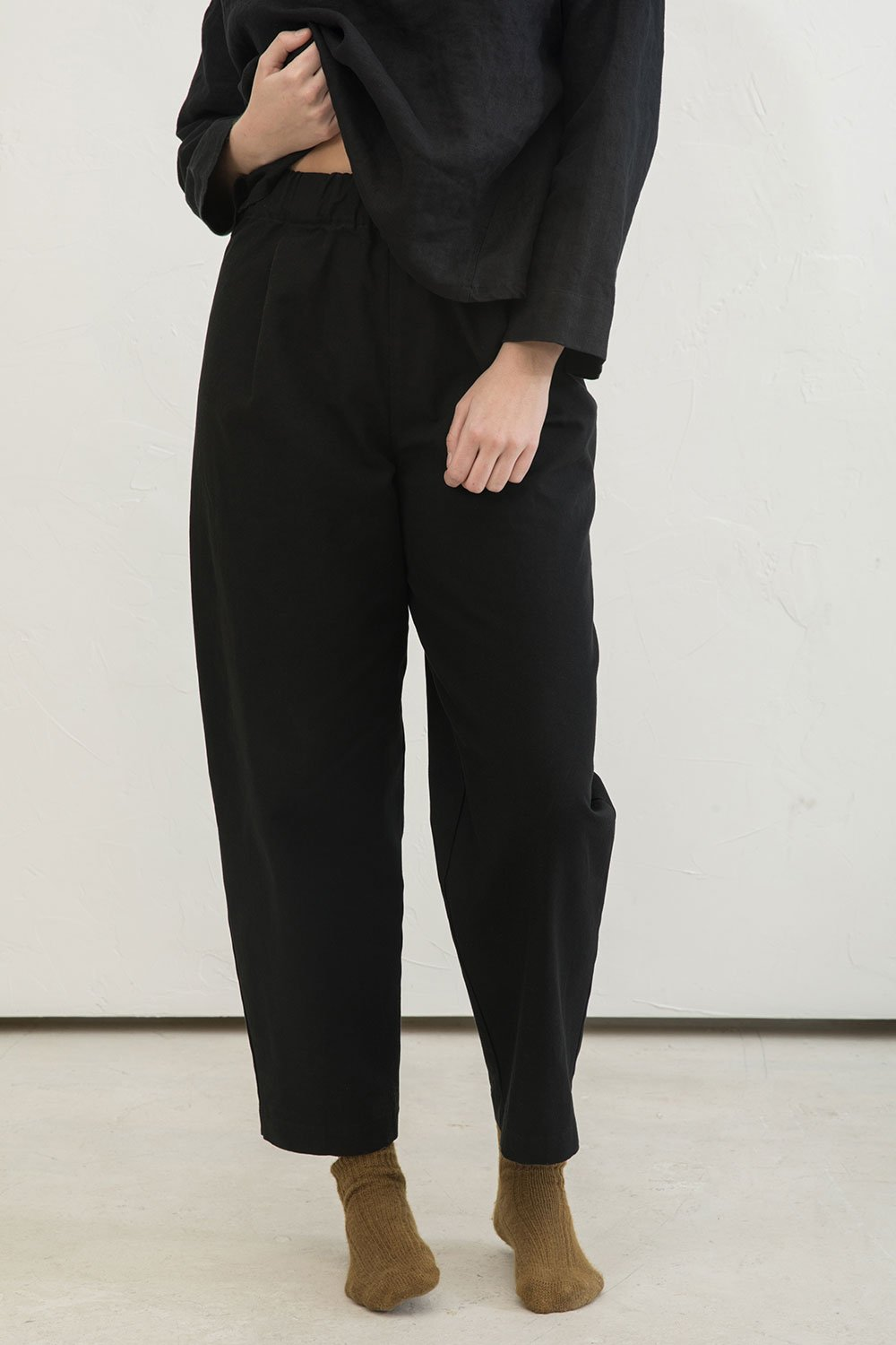 Andy Trouser in Cotton Canvas Black - Abbie-Large Tall