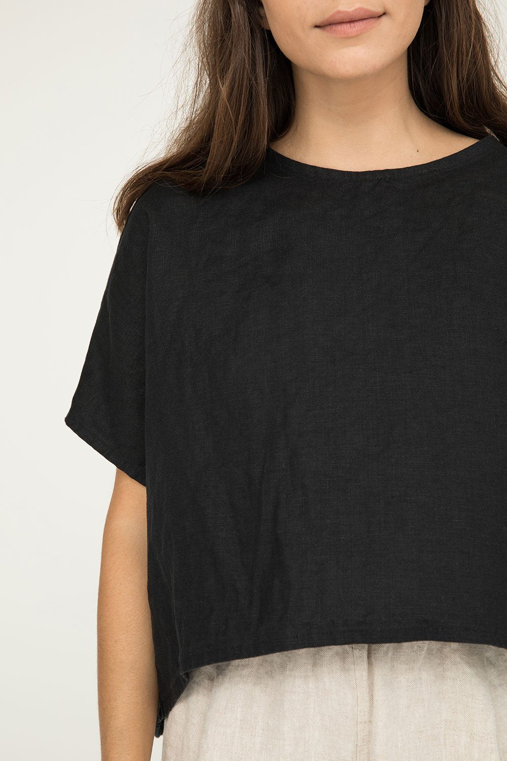 Linn Tee in Midweight Linen Black - Molly-OSM