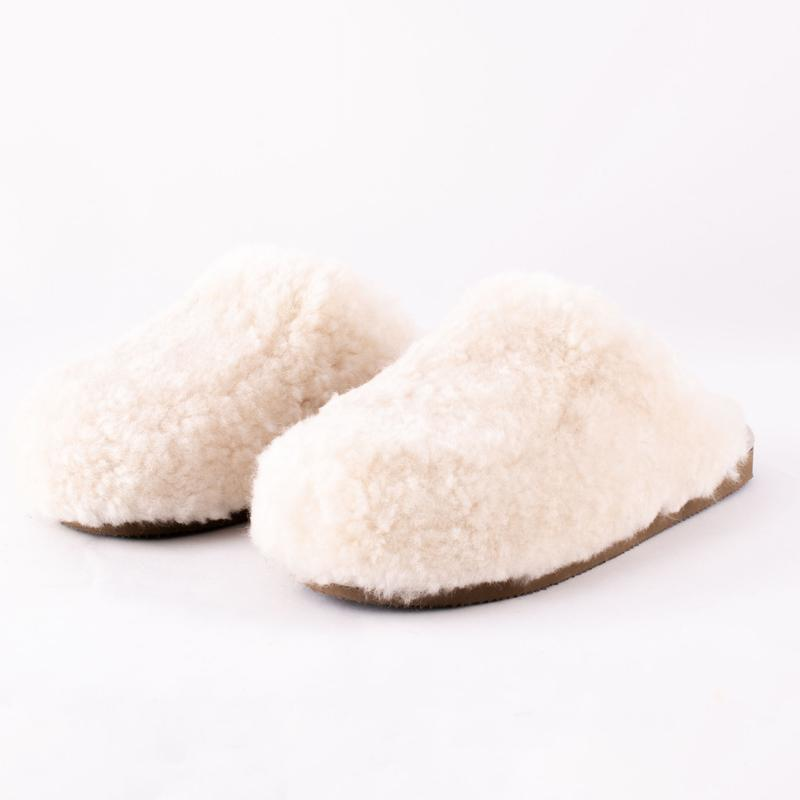 SHEPHERD OF SWEDEN CREAM SHEEPSKIN SLIPPERS