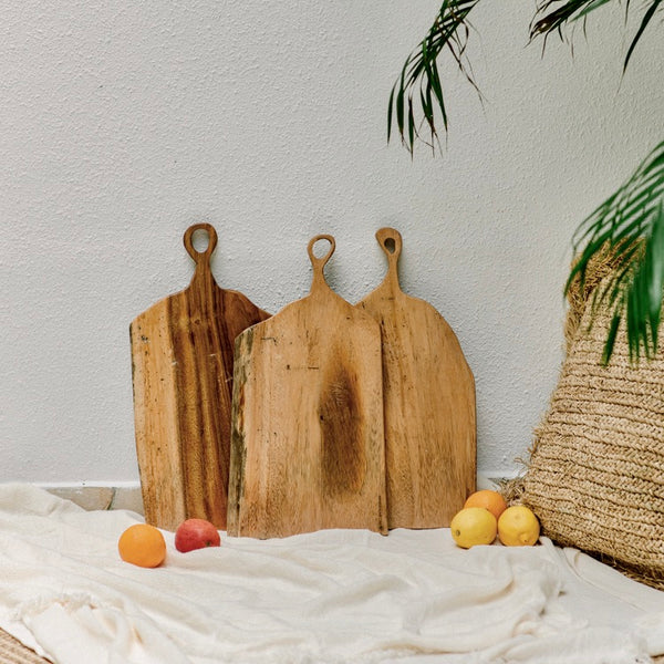 TEAK WOOD CHEESE BOARD - IrregularLines