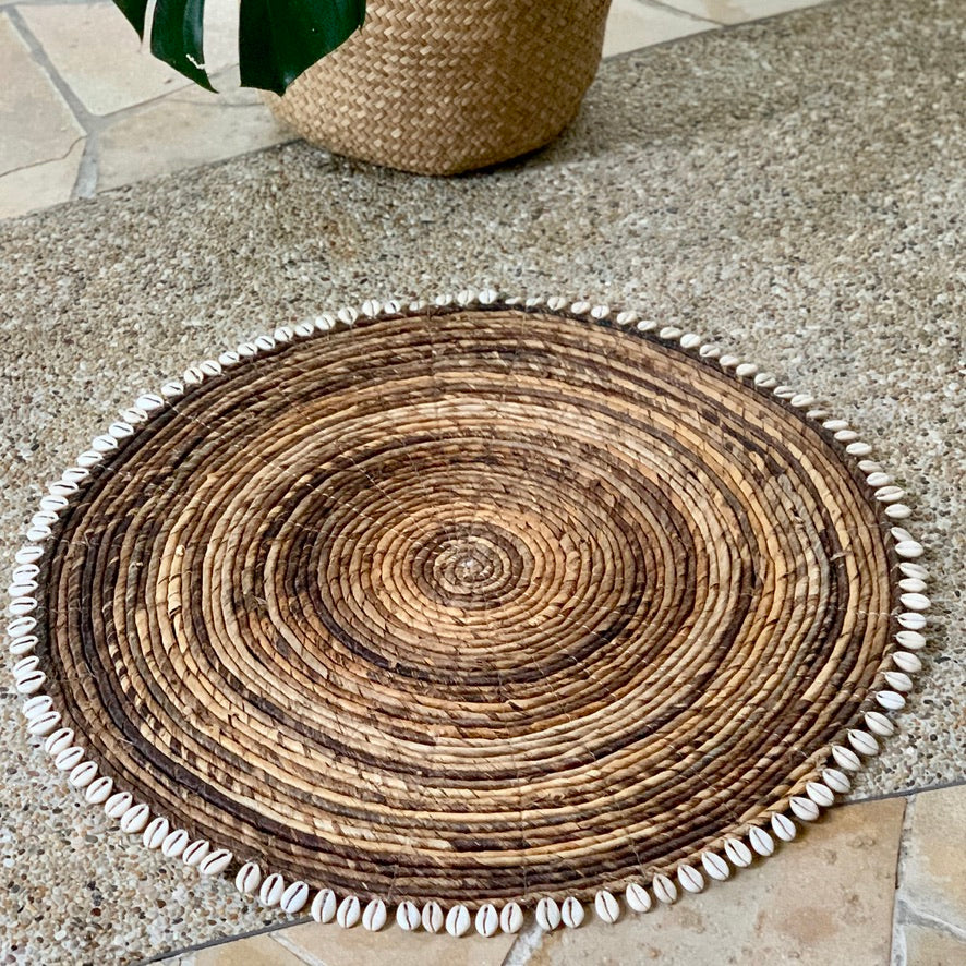 Rattan Place Mat With shells - IrregularLines