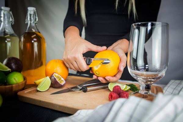 Uberbartools Peeler for cocktail garnishing