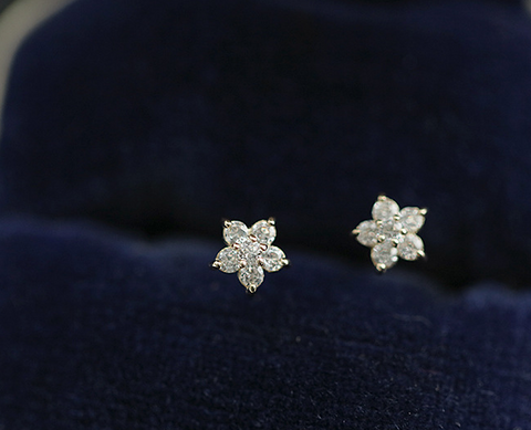 Zircon Gold Plated Silver Flower Shape Stud Earrings
