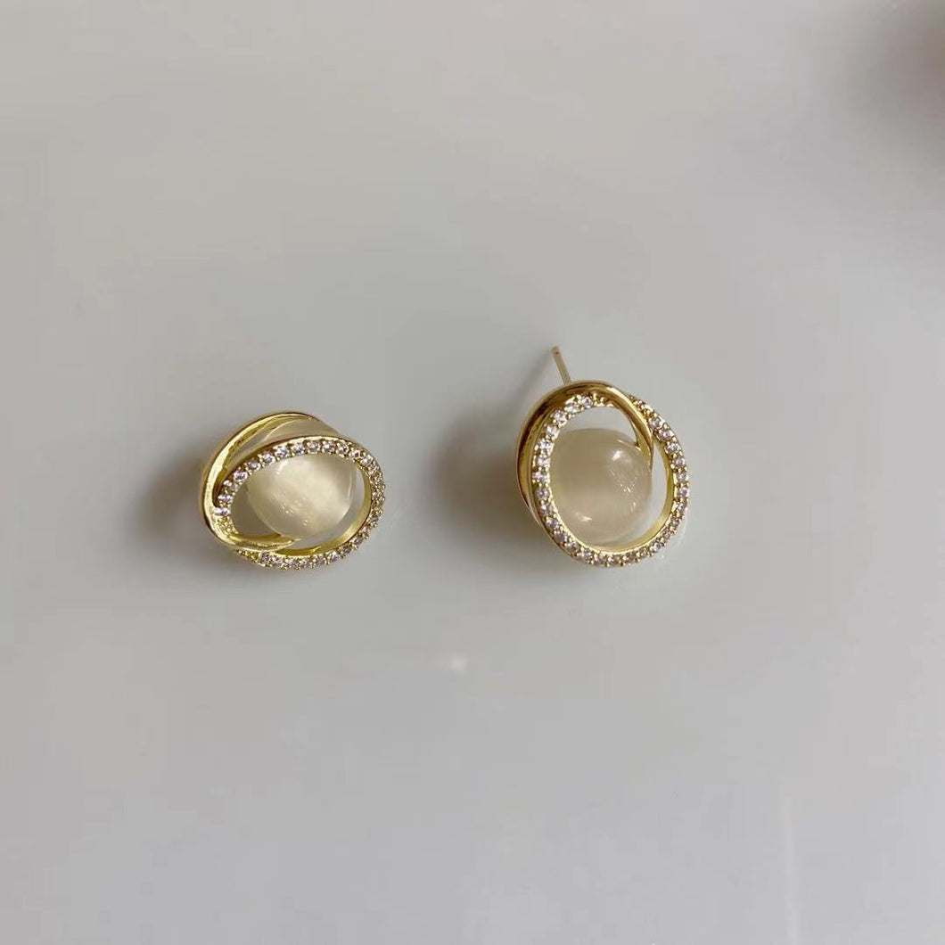 Elegant Gold Plated Cat's Eye Stone Ear Studs Earrings