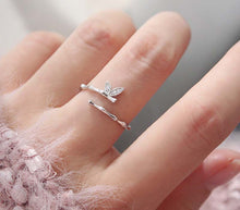 Load image into Gallery viewer, Diamante Leaf Adjustable Ring