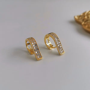 Fashion Design 6 Shape Huggies Ear Studs with Zircon