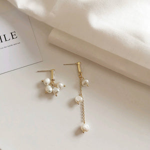 Creative Asymmetric Pearls Earrings