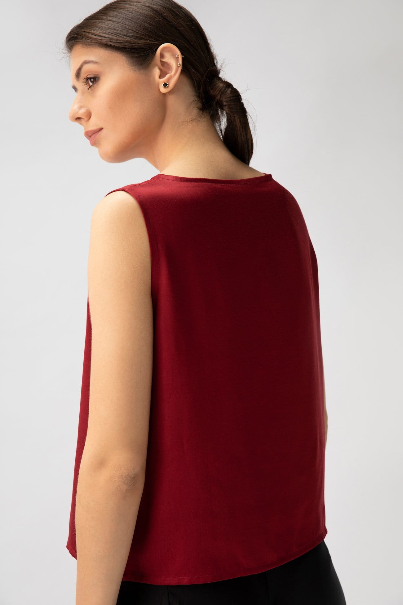Silky Shell Top > Maroon