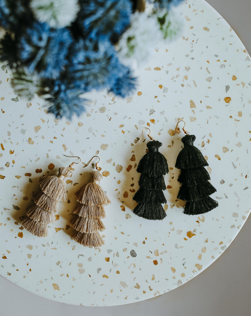 TASSEL EARRINGS: ONYX