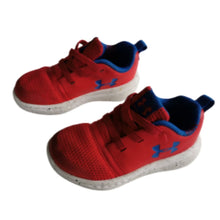 Load image into Gallery viewer, Red Under Armour Runners, 6