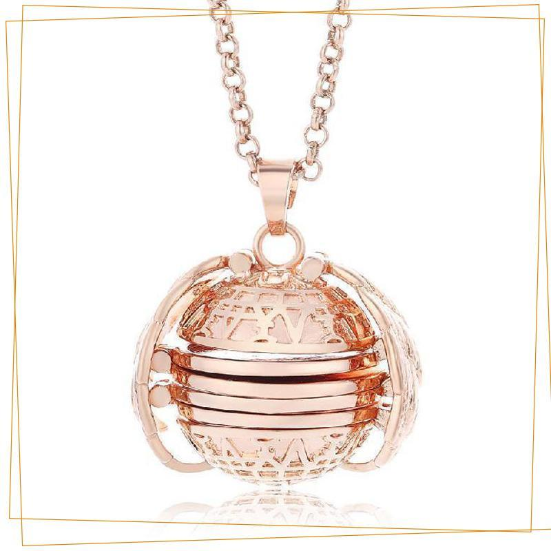 Expandable 4 Photo Locket Necklace Jewelry trillionwish Rose Gold