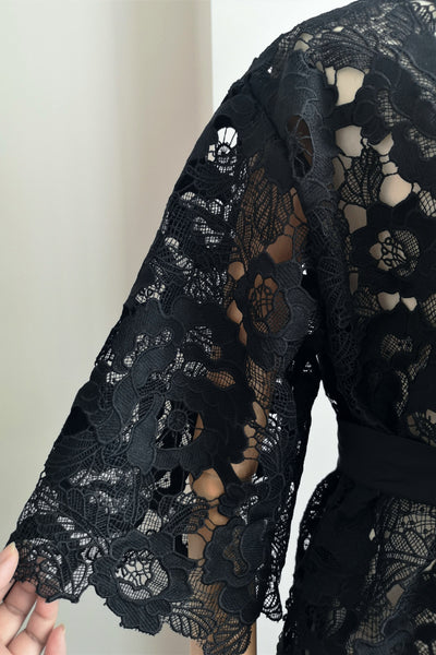 Floral Guipure Lace Robe (Black)
