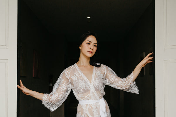 Enchanté Lace Maxi Robe