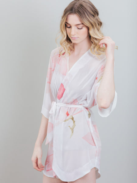 Graceful Petals Robe (Pink on White)