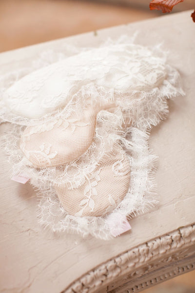 Swan Queen Lace & Silk Sleep Mask (Ivory)