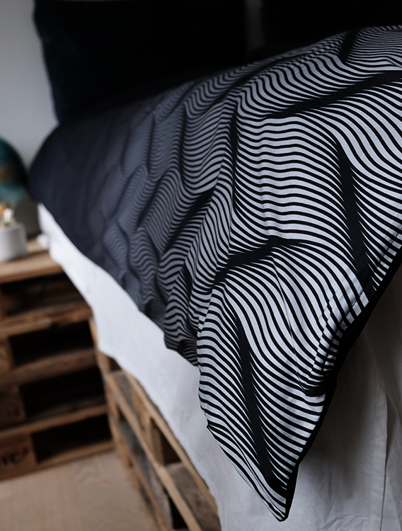 FADING WAVES DUVET