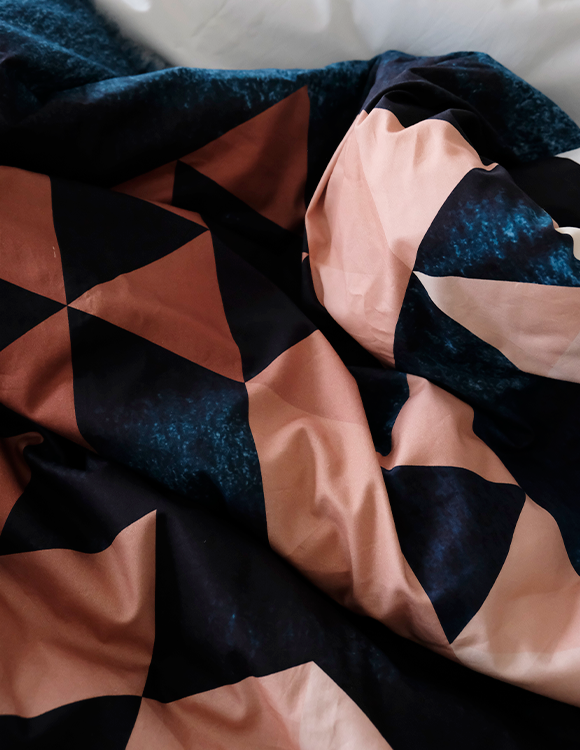 TRIANGLE WATERCOLOR DUVET