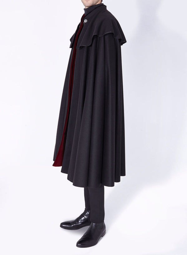 1901 CLOAK BLACK-BURGUNDY.