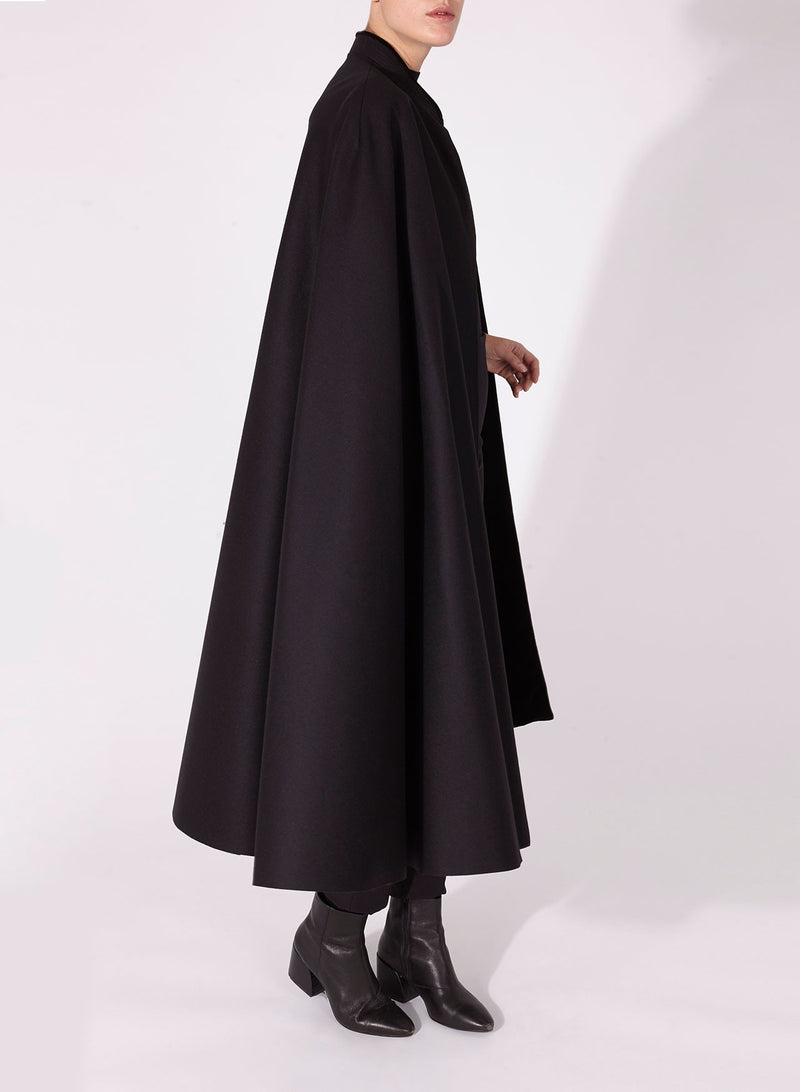 VICTORIA CAPE Mao collar - Black