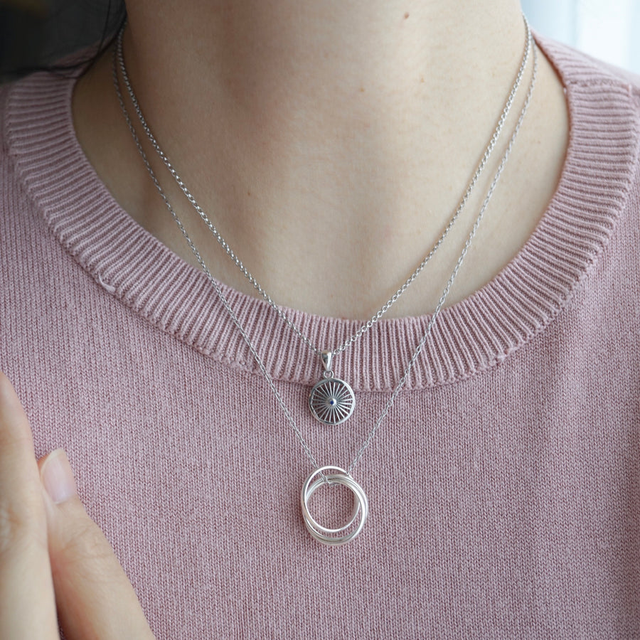 JOURNEE Interlocking Circles Triple Rings Necklace/Bracelet