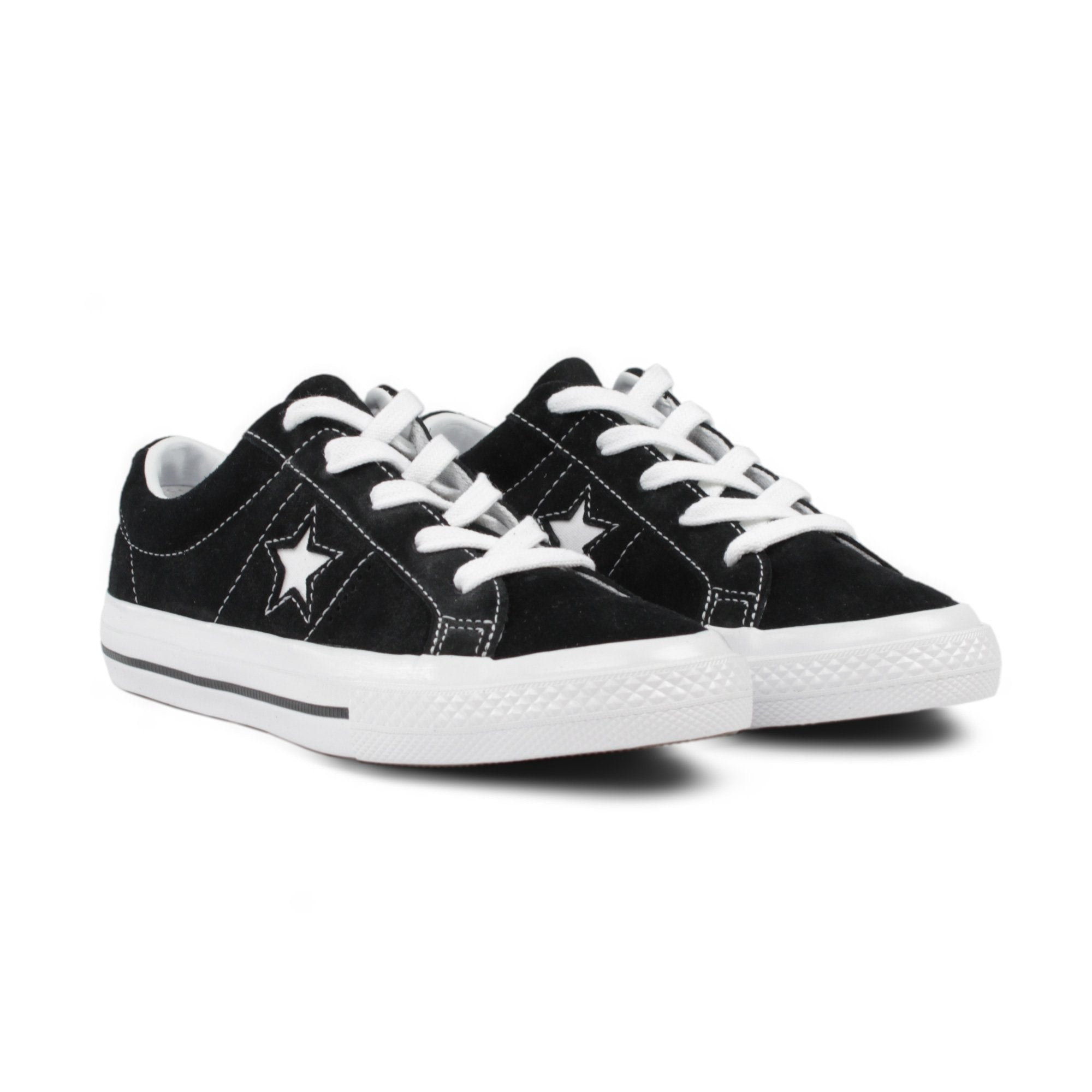 CONVERSE ONE STAR (YOUTH) </p>                     </div>   <!--bof Product URL --> <!--eof Product URL --> <!--bof Quantity Discounts table --> <!--eof Quantity Discounts table --> </div>                        </dd> <dt class=