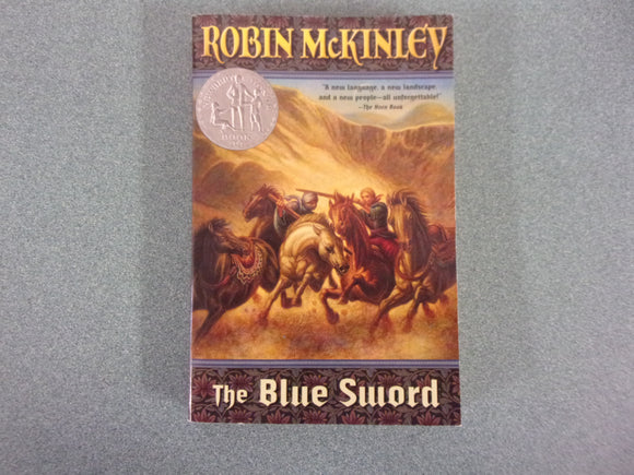 The Blue Sword by Robin McKinley (Paperback)