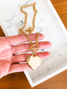 Heart Toggle Curb Chain Necklace in Gold
