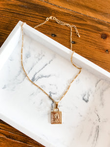 Queen Pendant Figaro Chain Necklace