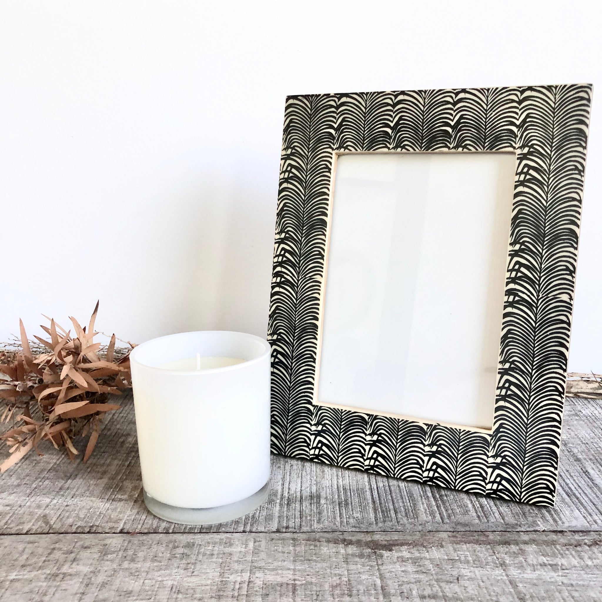 Palm leaf standing photo frame