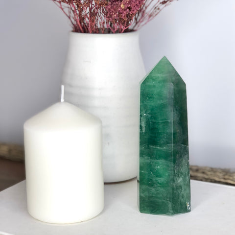 Fluorite green polished generator tower 13cm