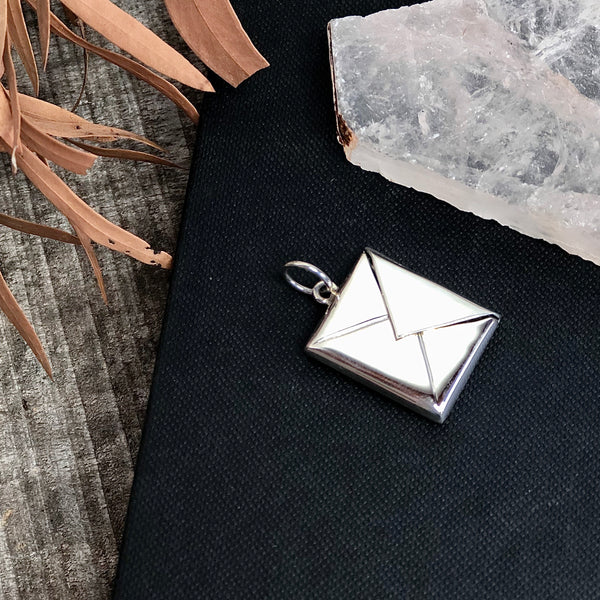 Australian gift, crystal, decor online shop: Sterling silver envelope locket