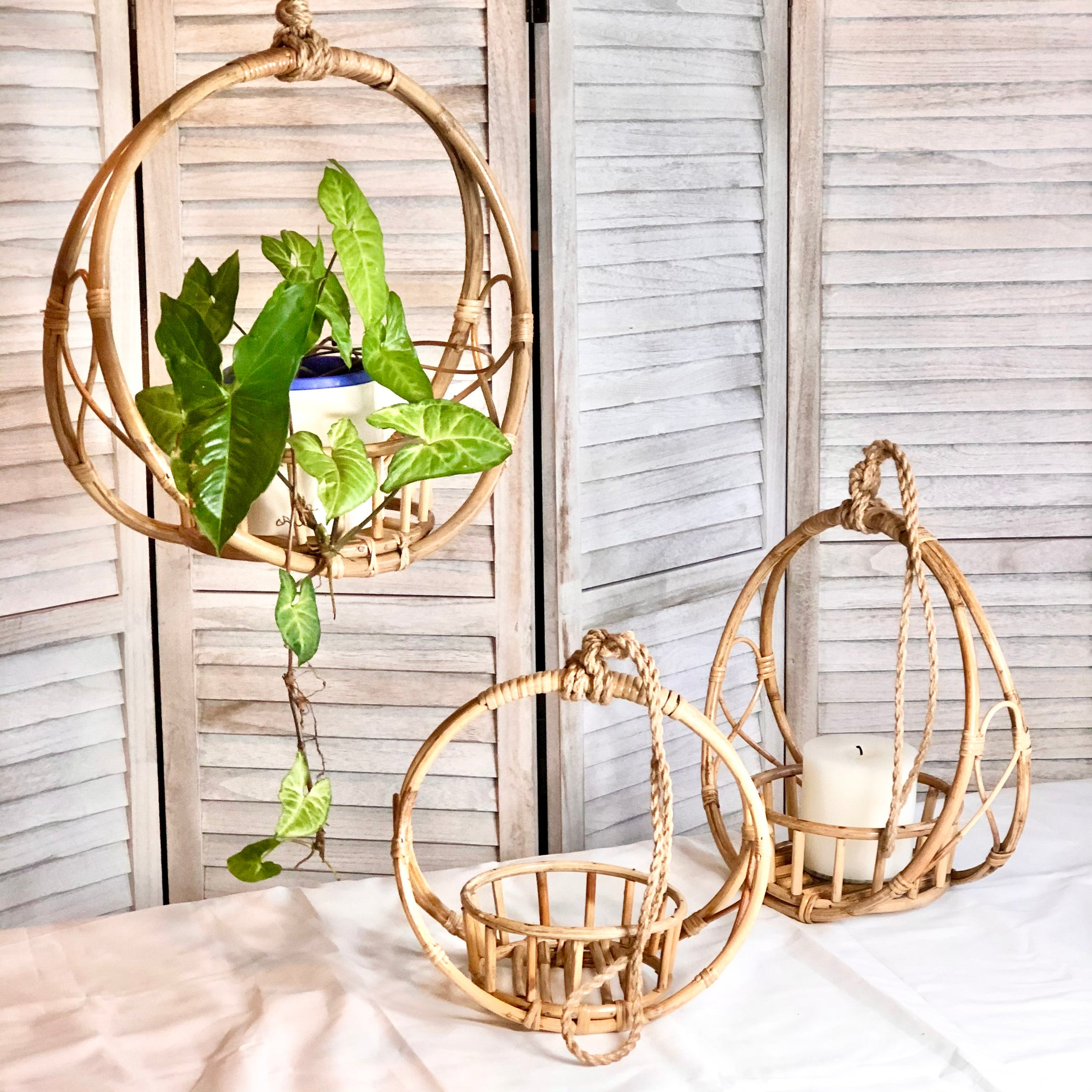 Gift, decor and crystal shop Australia: Rattan hanging plant pot holder