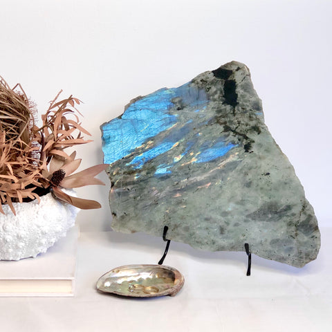 Labradorite polished crystal platter tray