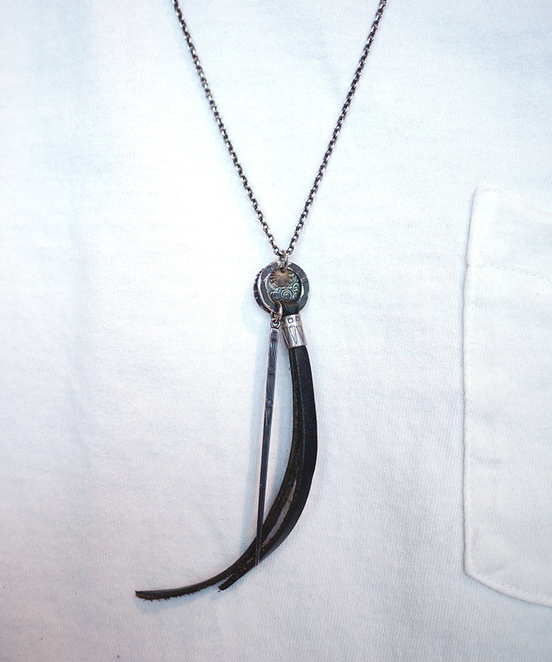 SHIELD SPEAR NECKLACE