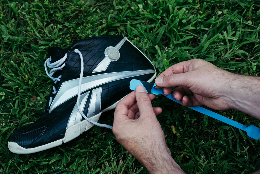 how to put erthe earthing straps on running shoes