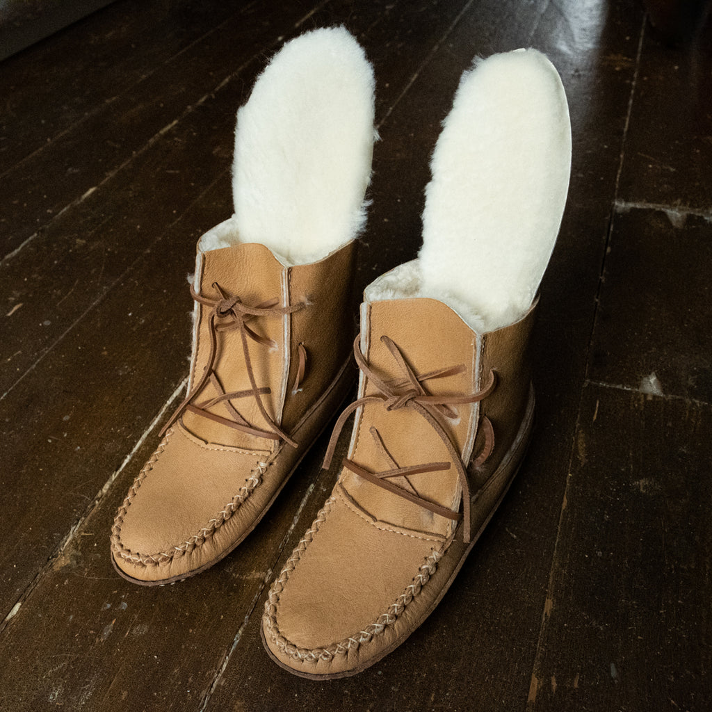 Sheepskin insoles in leather boots