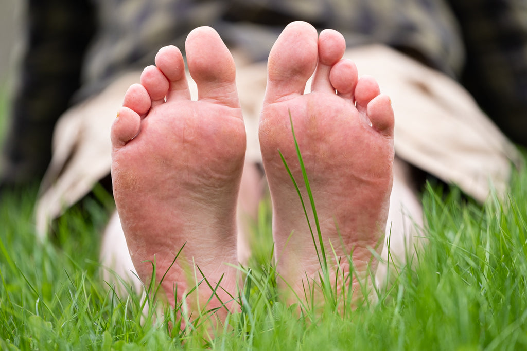 earthing barefoot pressure points on the soles of your feet