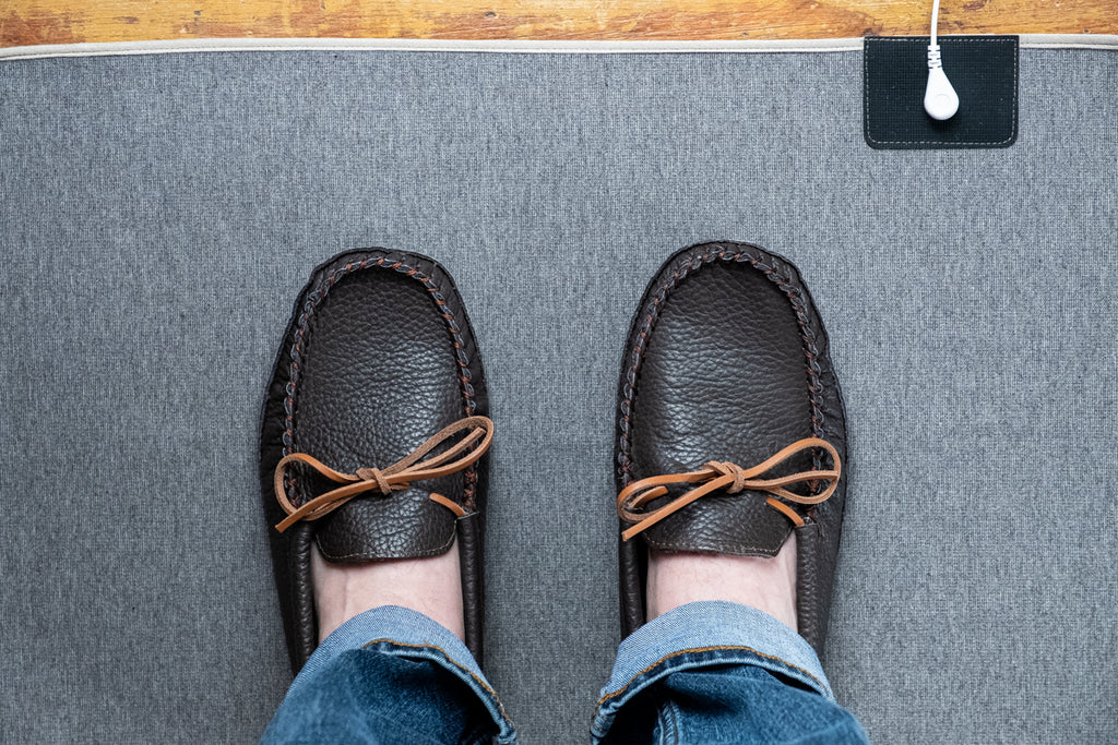 how to practice earthing or grounding indoors