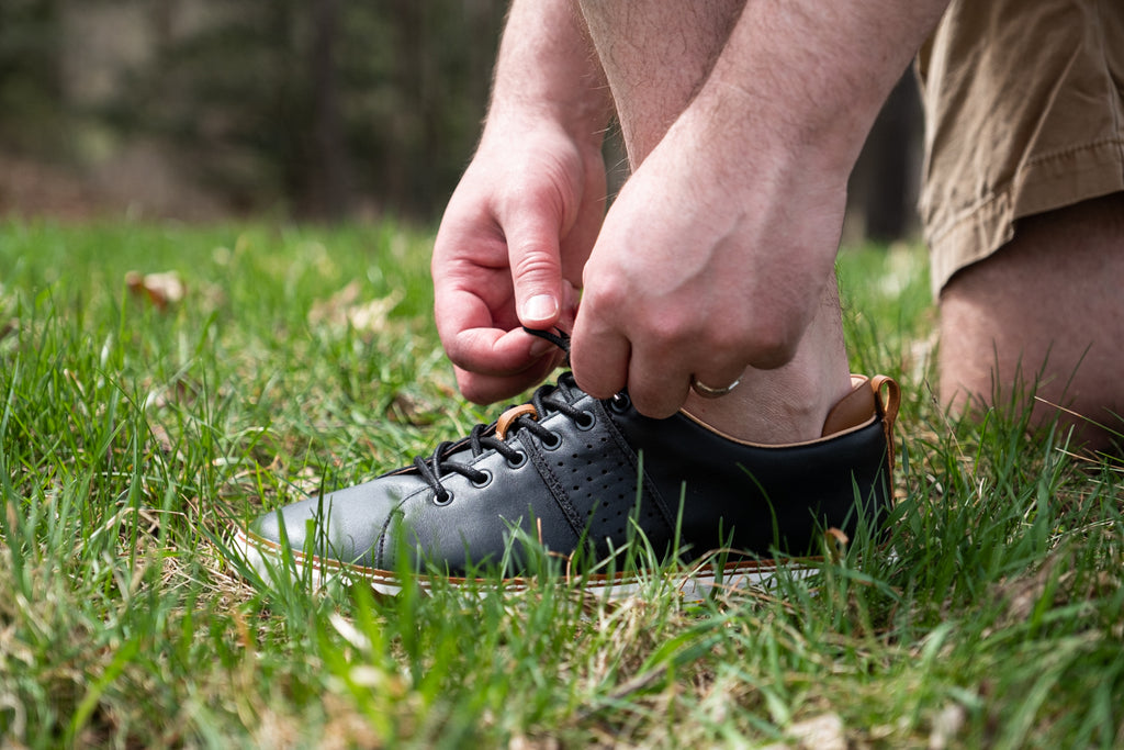 Shoes for earthing