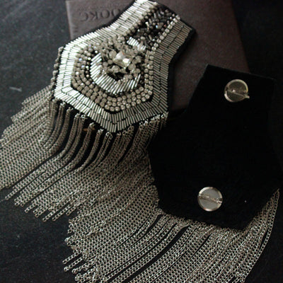2pcs/set luxury tassel Beaded epaulette for clothes Punk Wind Coat Suit DIY Fashion Tassel Badge Epaulets Shoulder Patches appliques