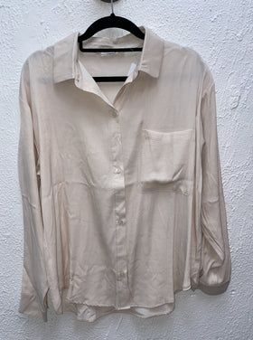LS BUTTON UP WOVEN TOP